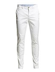 2813 - Dolan Slim - Optical White