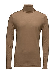Classic turtleneck pullover in merino wool quality - CAMEL