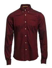 Button down oxford shirt, Sold with sleeve collectors - 34 cranberry
