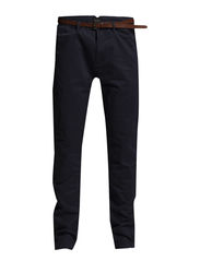 Basic pima cotton twill chino. Slim fit - 57 navy