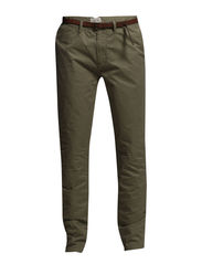 Basic pima cotton twill chino. Slim fit - 74 khaki