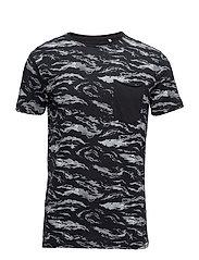 AOPT-shirt - BLACK