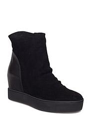 Shoe the Bear - Trish S