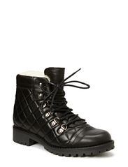 Short Boot Quilted - Black/Cream Sherling