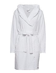 L. robe - WHITE