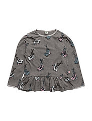 T-shirt with Iceskates and a little skirt. Glitter - M. GREY MIX