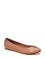 Sofie Schnoor Patent leather ballerina w. star
