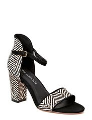 High heel - black white
