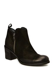 High heel boot w. zip - Black