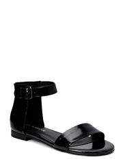 Sandal in leather - black