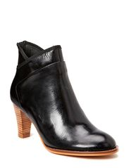 Horse oil leather ankel boot - black
