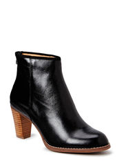 horse oil boot - black