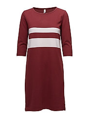 SC-DENA STRIPE - DEEP RED COMBI