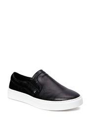 Skye Sneaker - Black