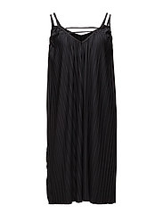 Pleated Maxi Dress - BLACK