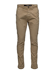 SURPLUS GOODS LOW RIDER CHINO - TRIBECA TAN