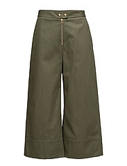 GARMENT WASHED LIGHTWEIGHT COTTON CROPPED PANTS - SURPLUS