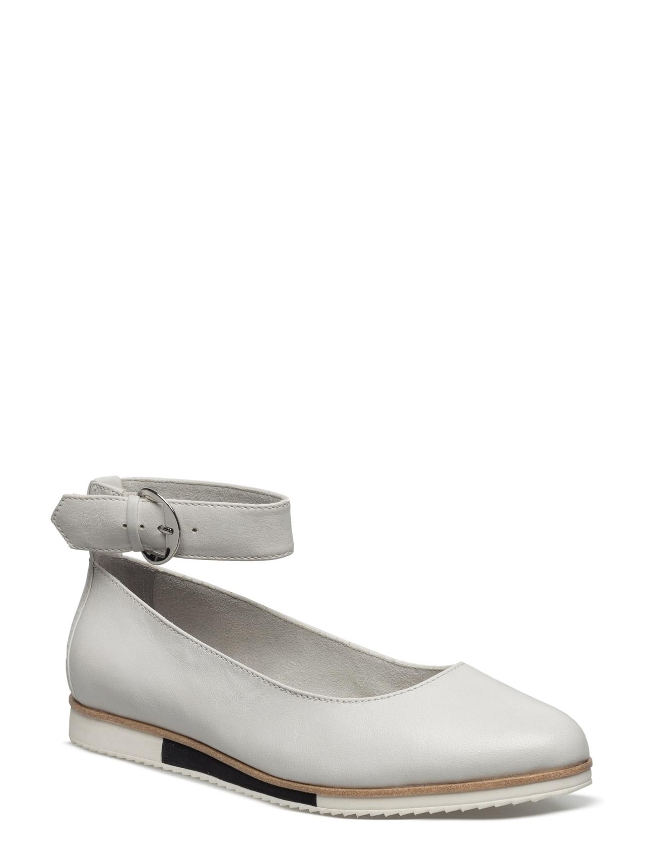 7df0c4f6e4b1 Bestil Woms Slip-On Tamaris Ballarinaer i hvid til Damer i en online  fashion store