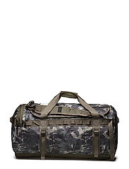 BASE CAMP DUFFEL - L - ENGLISH GREEN TRPCLCM/NWTPE GREEN