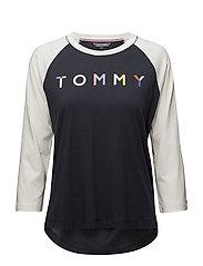 Tommy Hilfiger - Clara Round-Nk Top 3