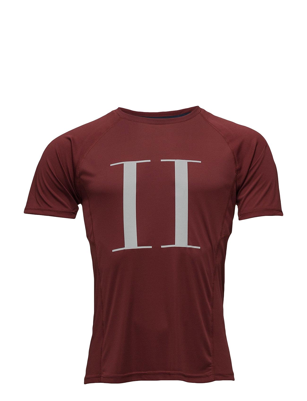 Run Logo T-Shirt Men Tracks by Les Deux Sports toppe til Mænd i