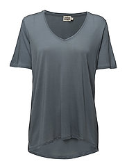 Iris V-neck Tee - DUSTY BLUE