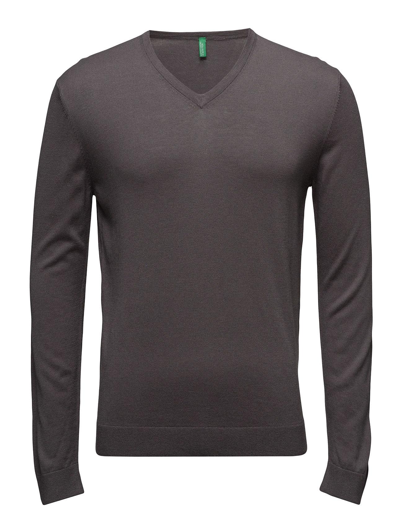 V Neck Sweater L/S United Colors of Benetton Striktøj til Mænd i