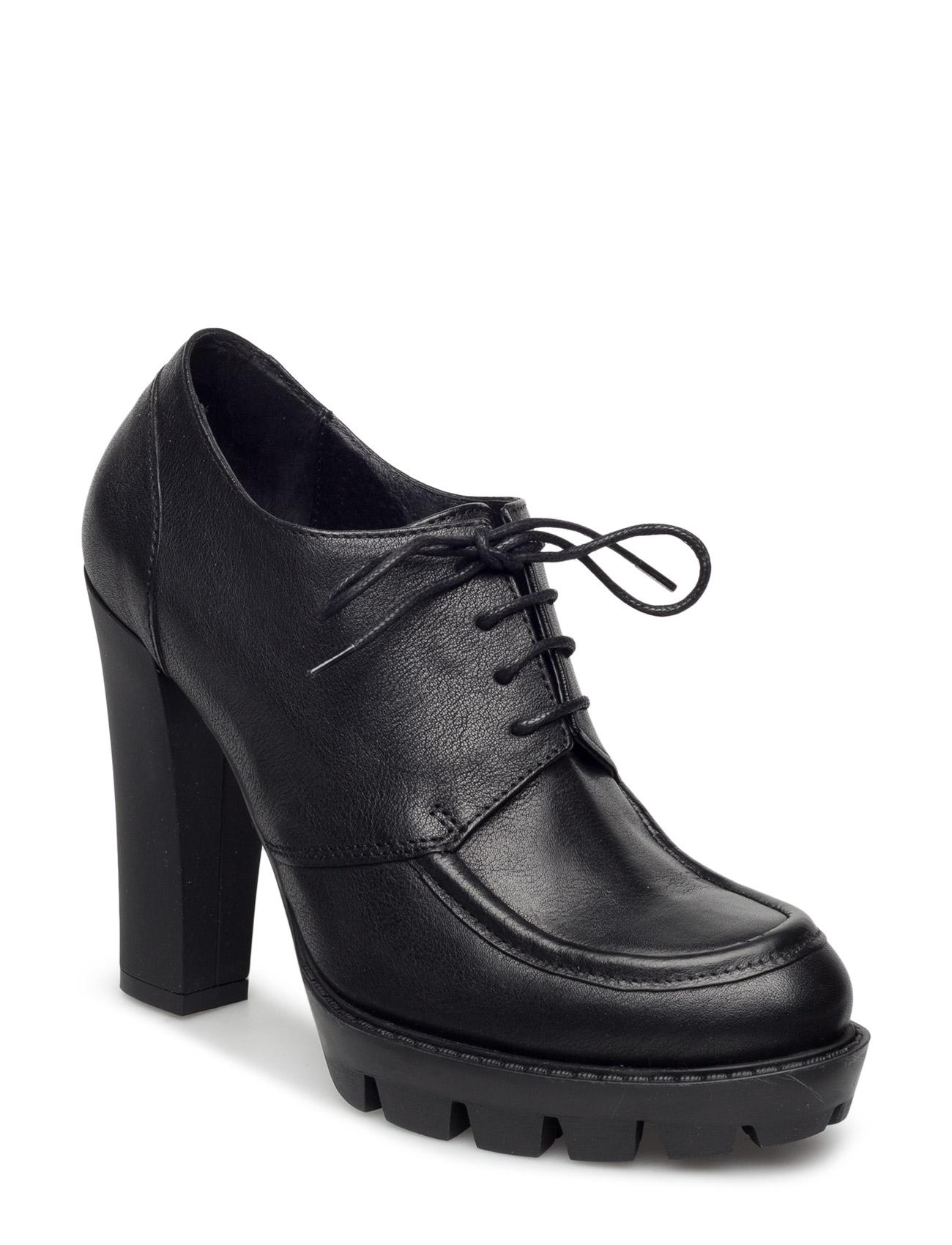 Classic Shoe W Heel UNMADE Copenhagen Stiletter til Kvinder i Sort