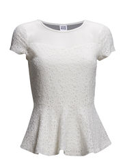 WP - VMLILLY LACE PEPLUM SS TOP 3 - Snow White