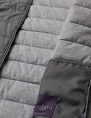 Pocket quilted jacket - GREY