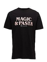 Magic & Pasta T-shirt - BLACK